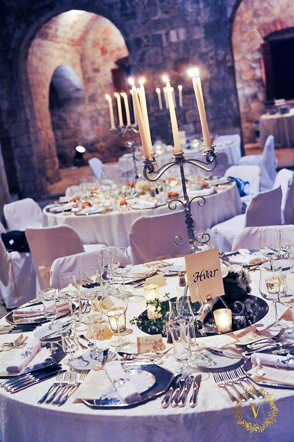 luxury-candlelight-dinner-on-a-fortress-wedding-in-Dubrovnik