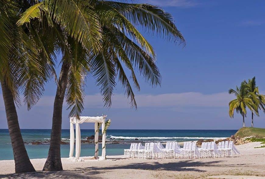 str1734ag 70511 Wedding Ceremony on the Beach - Luxury Wedding Gallery