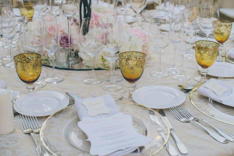 Golden tones table decor by Alago Events - Luxury Wedding Gallery