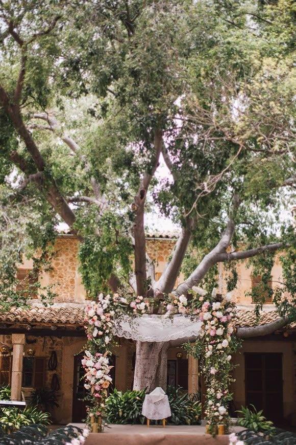 Jewish Wedding Ceremony Chuppah by Alago Events - Luxury Wedding Gallery