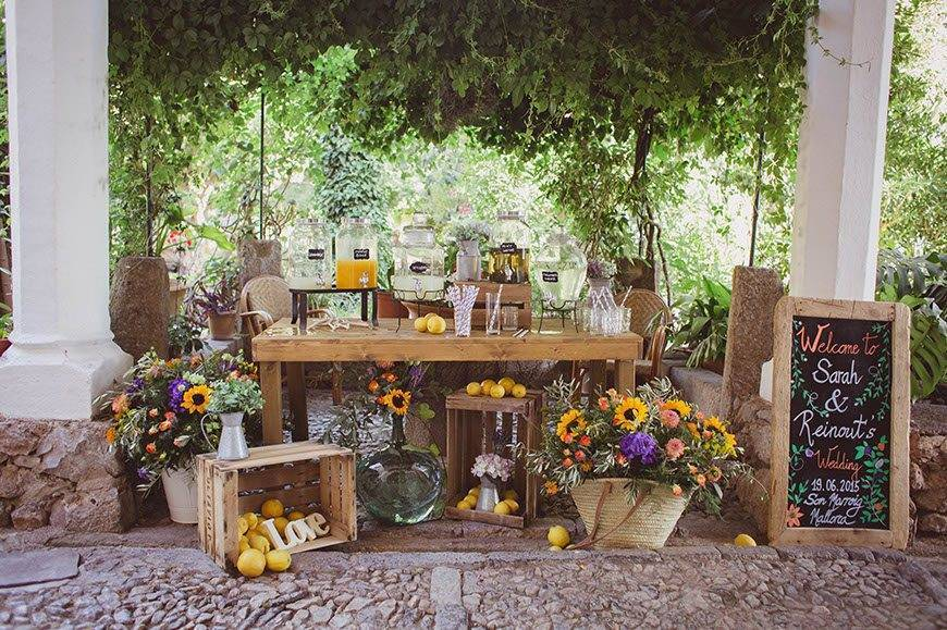 Lemonade Stand by Alago Events - Luxury Wedding Gallery