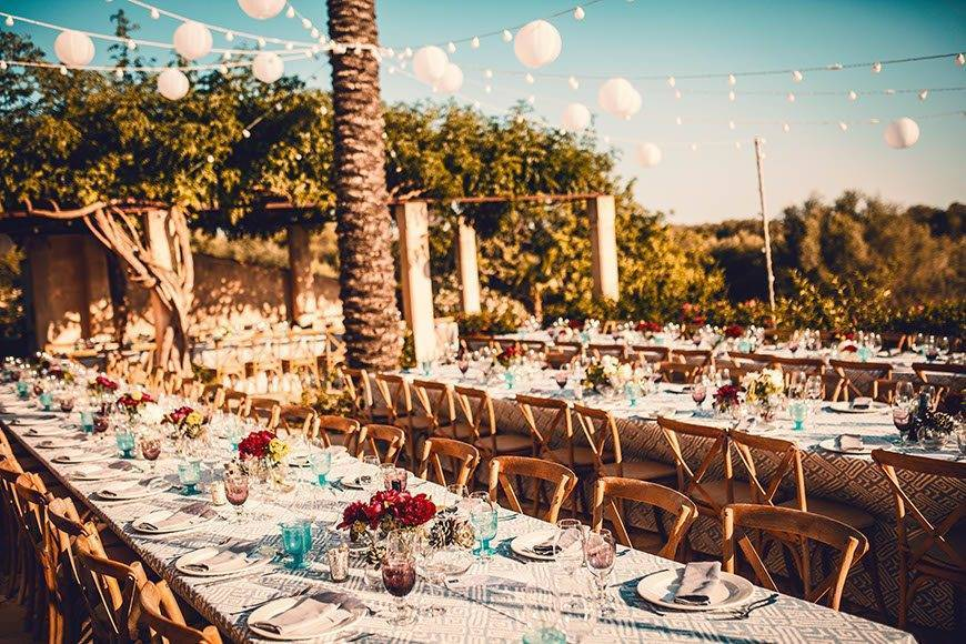 Mediterranean table setting by Alago Events - Luxury Wedding Gallery