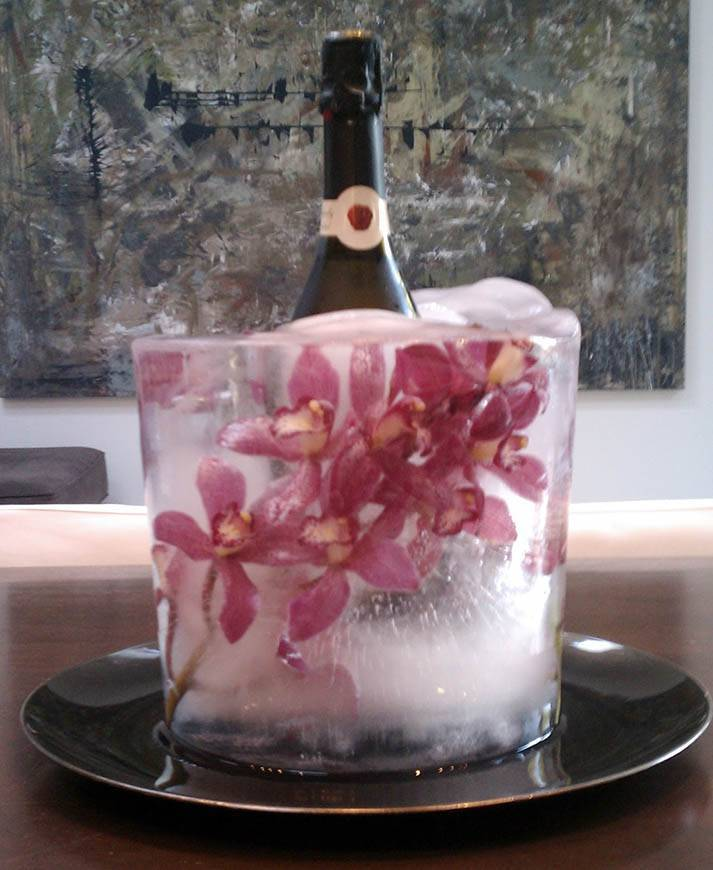 Beautiful Ice Sculptures - Luxury Wedding Gallery