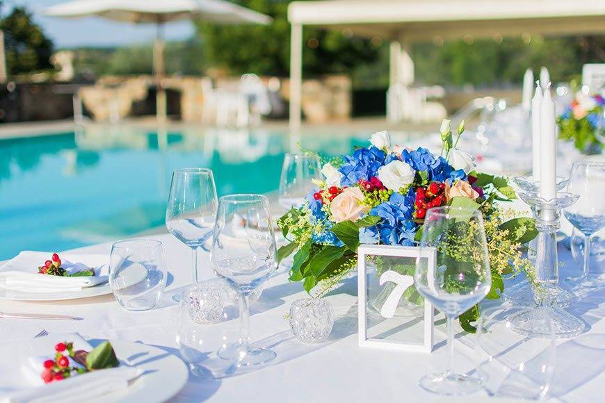 Tables around the pool - Luxury Wedding Gallery
