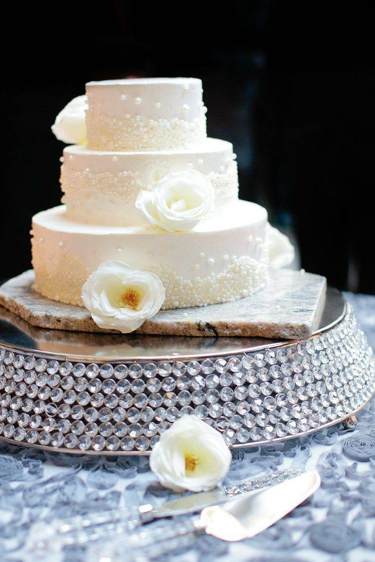 Sprinkle on some sparkle. Pearls make a gorgeous cake decoration. Photo: Canary Grey