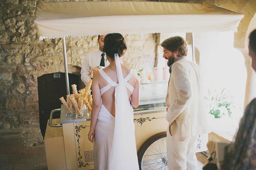 couple in Siena - Luxury Wedding Gallery
