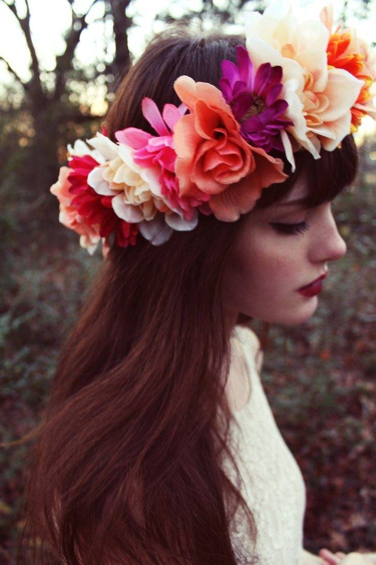 Match your floral displays with a beautiful floral crown