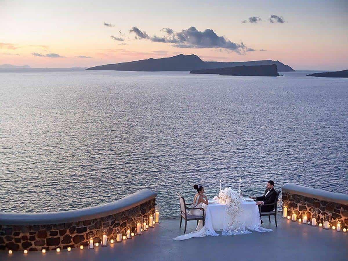 1. Luxury Wedding Dinner in Santorini 1 - Luxury Wedding Gallery