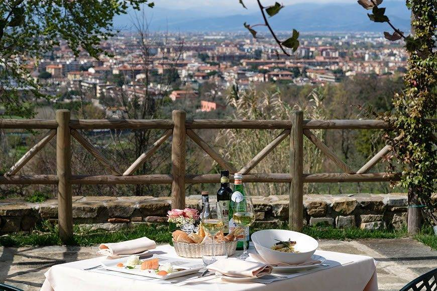 Al fresco lunch - Villa Tolomei Hotel - Gallery