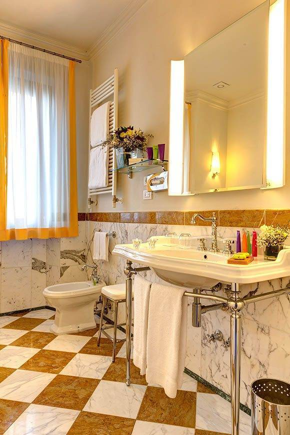 Bathroom 1 - Villa Tolomei Hotel - Gallery
