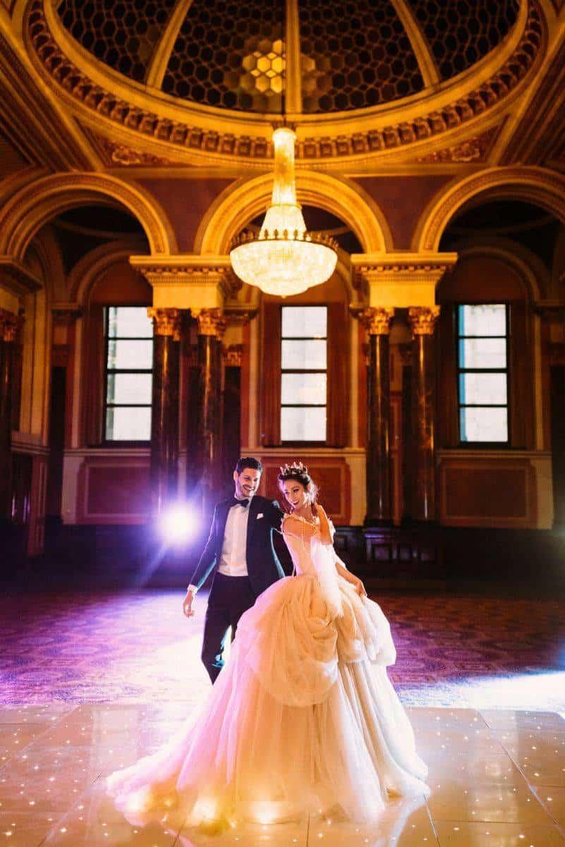 Dark Romance Beauty The Beast Inspired 5 Star Weddings