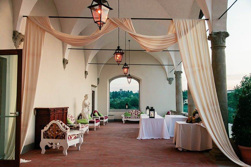 Ceremony Decoration 3 4 - Villa Tolomei Hotel - Gallery