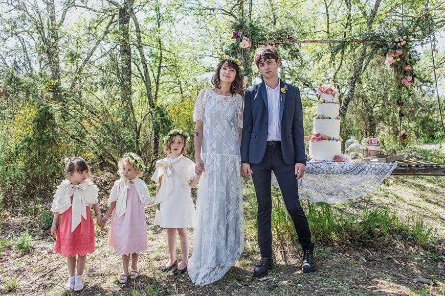 FLOWERGIRLS WEDDINGDRESS COUPLE - Luxury Wedding Gallery