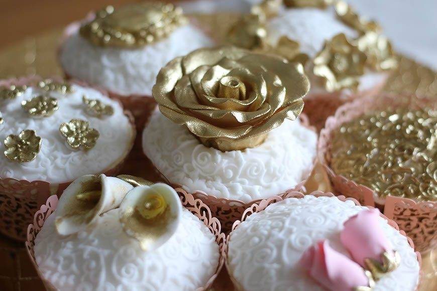 Jeweled-cupcakes-1