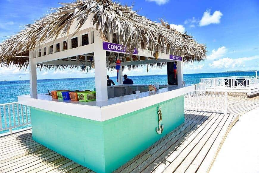 Pearl Island Bahamas conch bar - Luxury Wedding Gallery