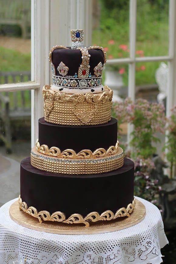 State-crown-cake