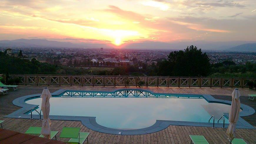 Villa-Tolomei-Hotel-Swimming-Pool-Sunset-Florence-R
