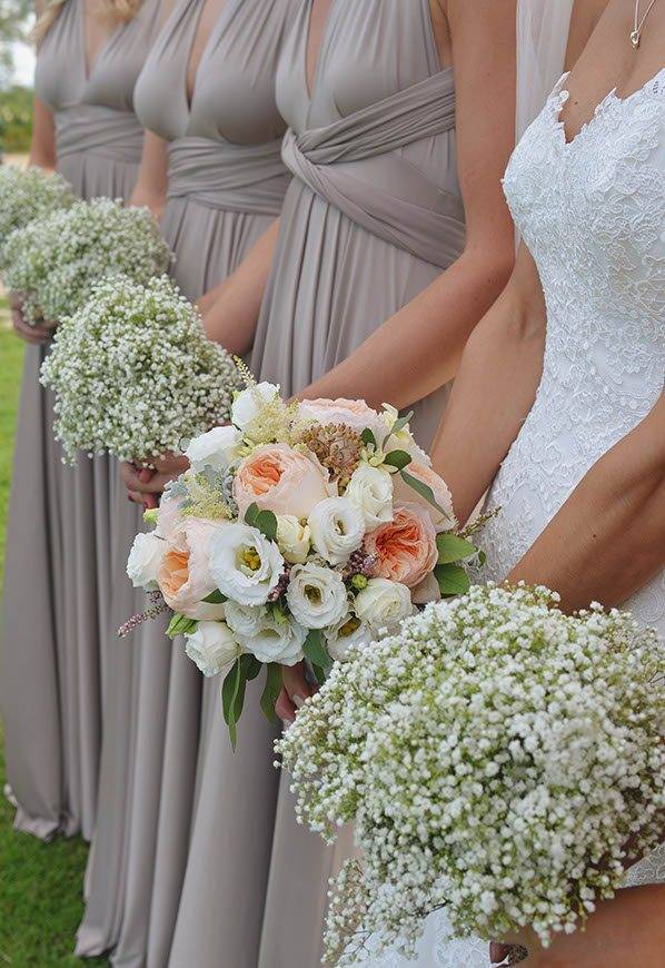 bridal and bridesmaids bouquets - Luxury Wedding Gallery