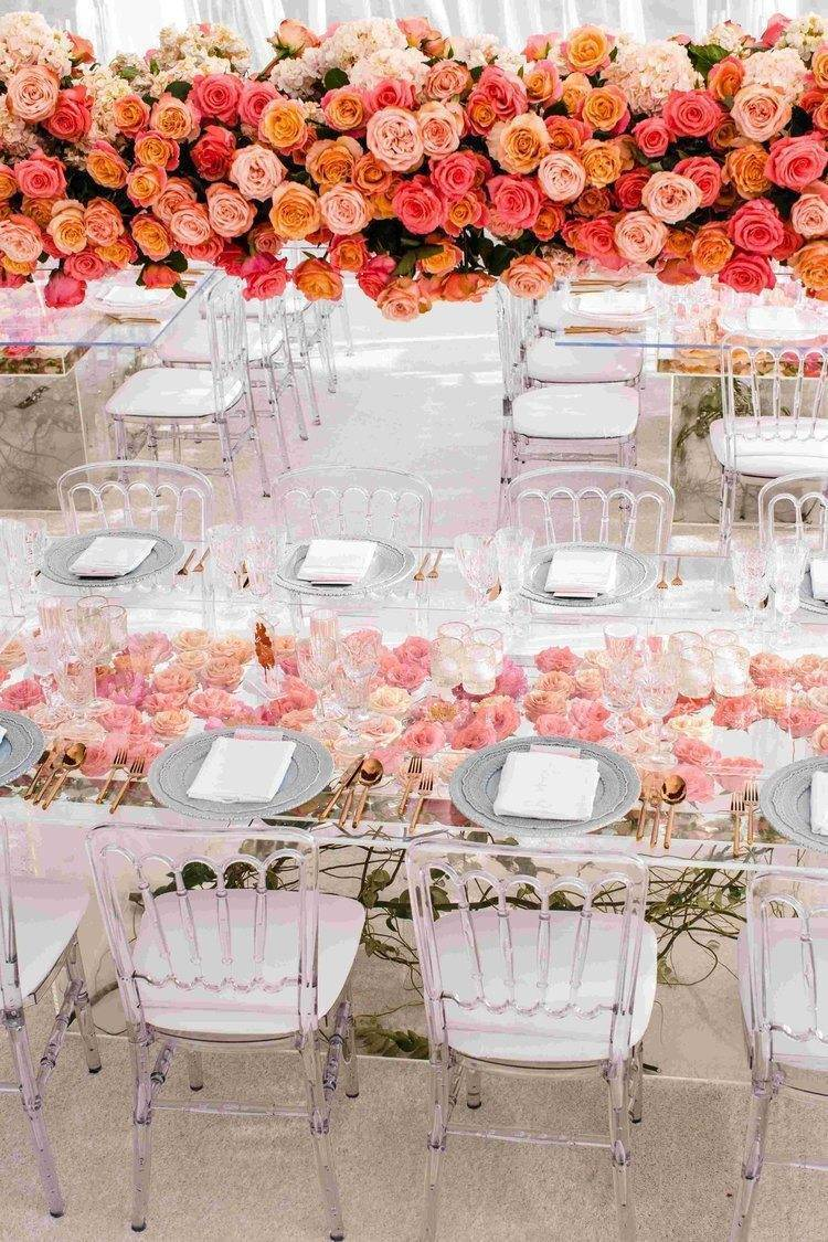Flowers in the table too! Photo: White Lilac Inc