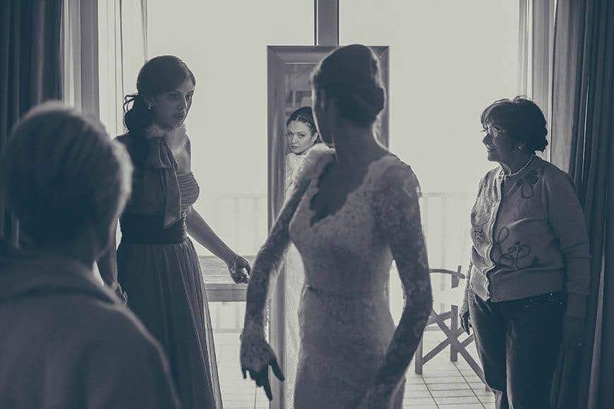 4 wedding bride getting ready3 - Luxury Wedding Gallery