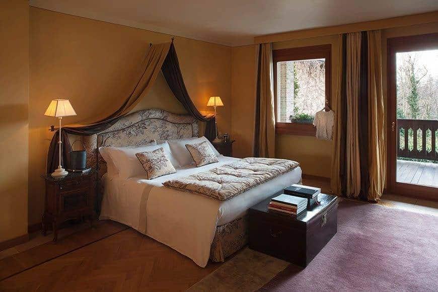 Deluxe guestroom - Luxury Wedding Gallery