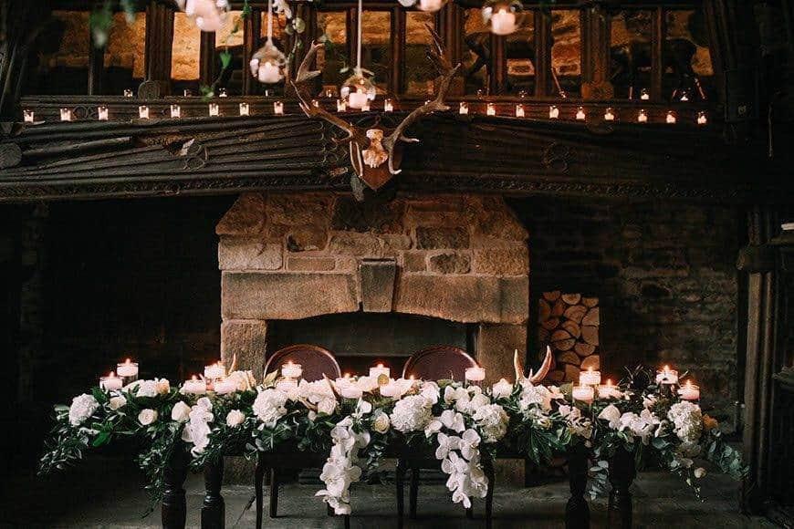 SIMON LIZZIE GREAT HALL TOP TABLE - Luxury Wedding Gallery