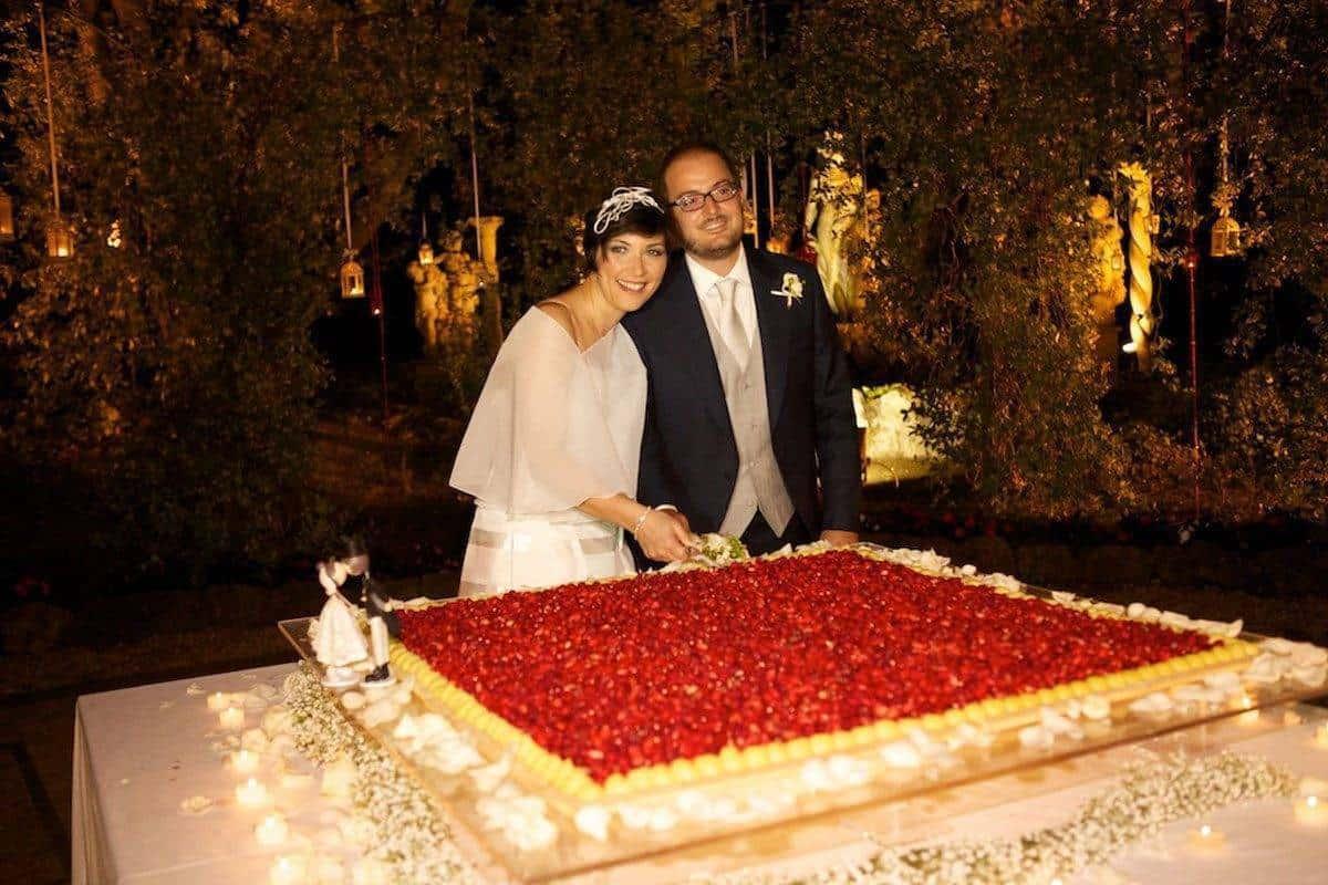 cake cut 2 - Luxury Wedding Gallery
