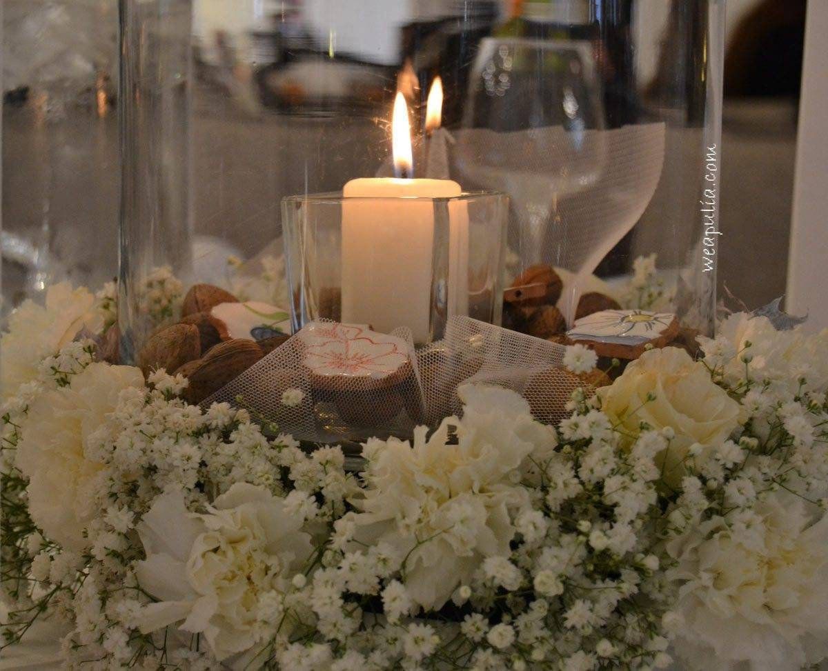 centerpiece with white carnation and apulian pottery - Luxury Wedding Gallery