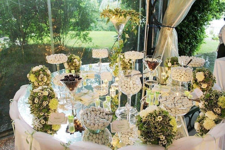 confetti table 2 - Luxury Wedding Gallery