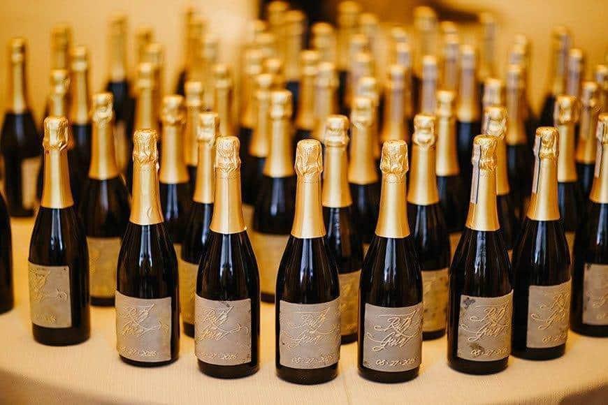 wedding favours champagne la fete - Luxury Wedding Gallery