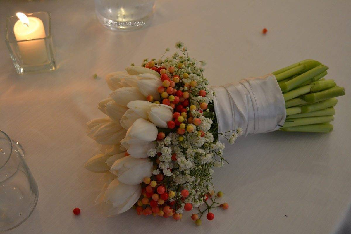 white tulips and red berry bouquet - Luxury Wedding Gallery