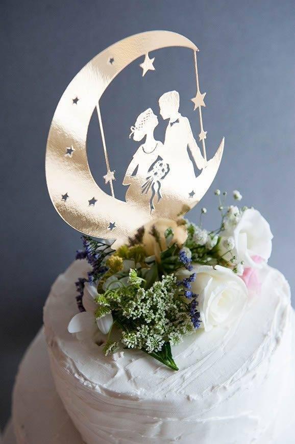 13Hummingbird Cards cake topper - Luxury Wedding Gallery