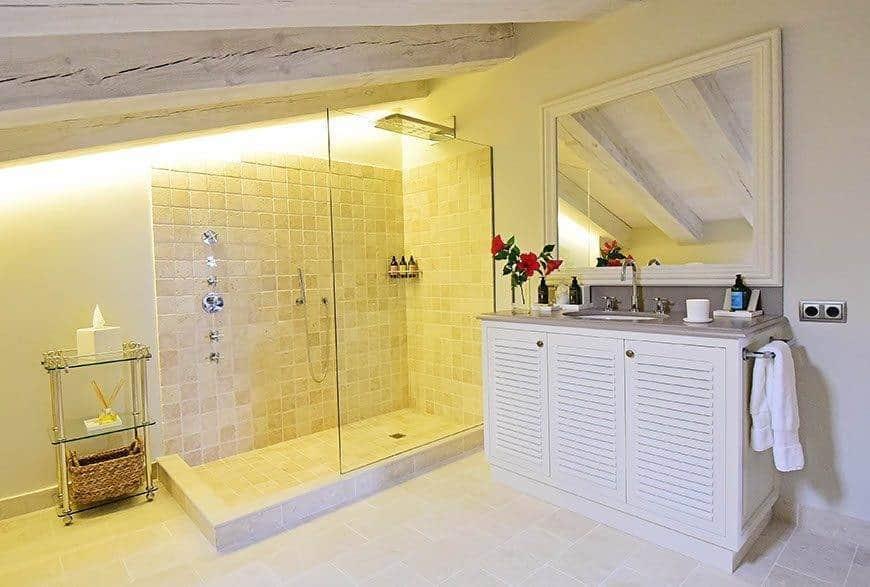 Monte-Toro-Bathroom-1