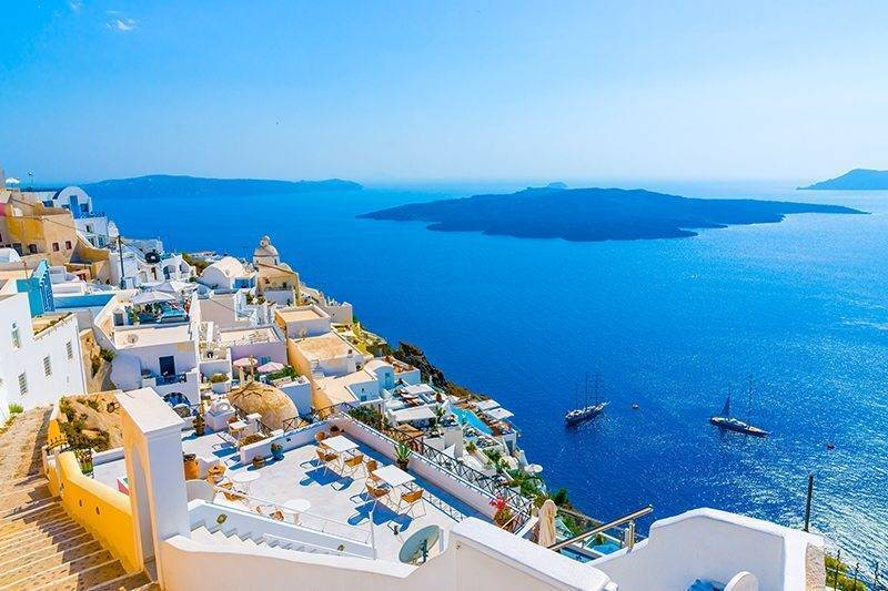 The 6 Best Travel Deals and Destinations for Honeymooners