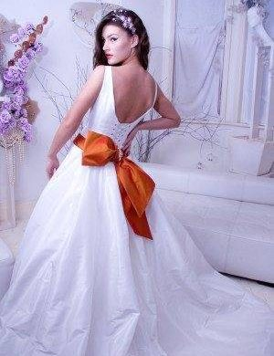 Contemporary And Elegant Wedding Gowns By Kosibah