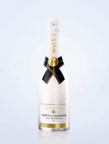 Open the love with Moët & Chandon