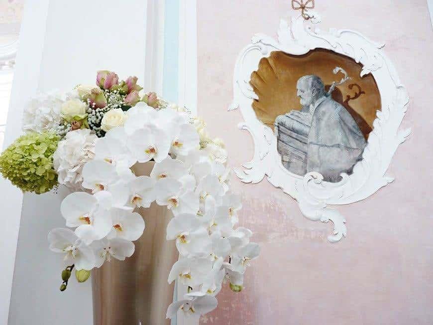 Church detail - Luxury Wedding Gallery