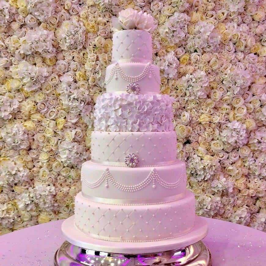 Felicity signature cake - Luxury Wedding Gallery