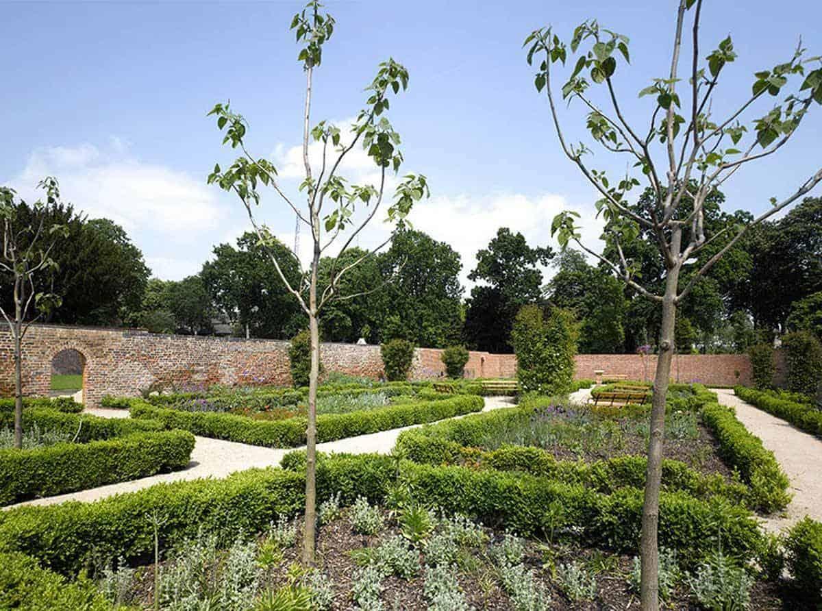 Garden_Panorama1