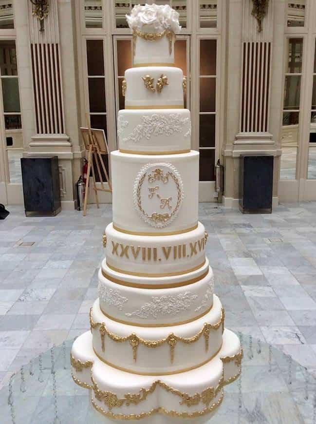 Gloriana 2 signature cake - Luxury Wedding Gallery