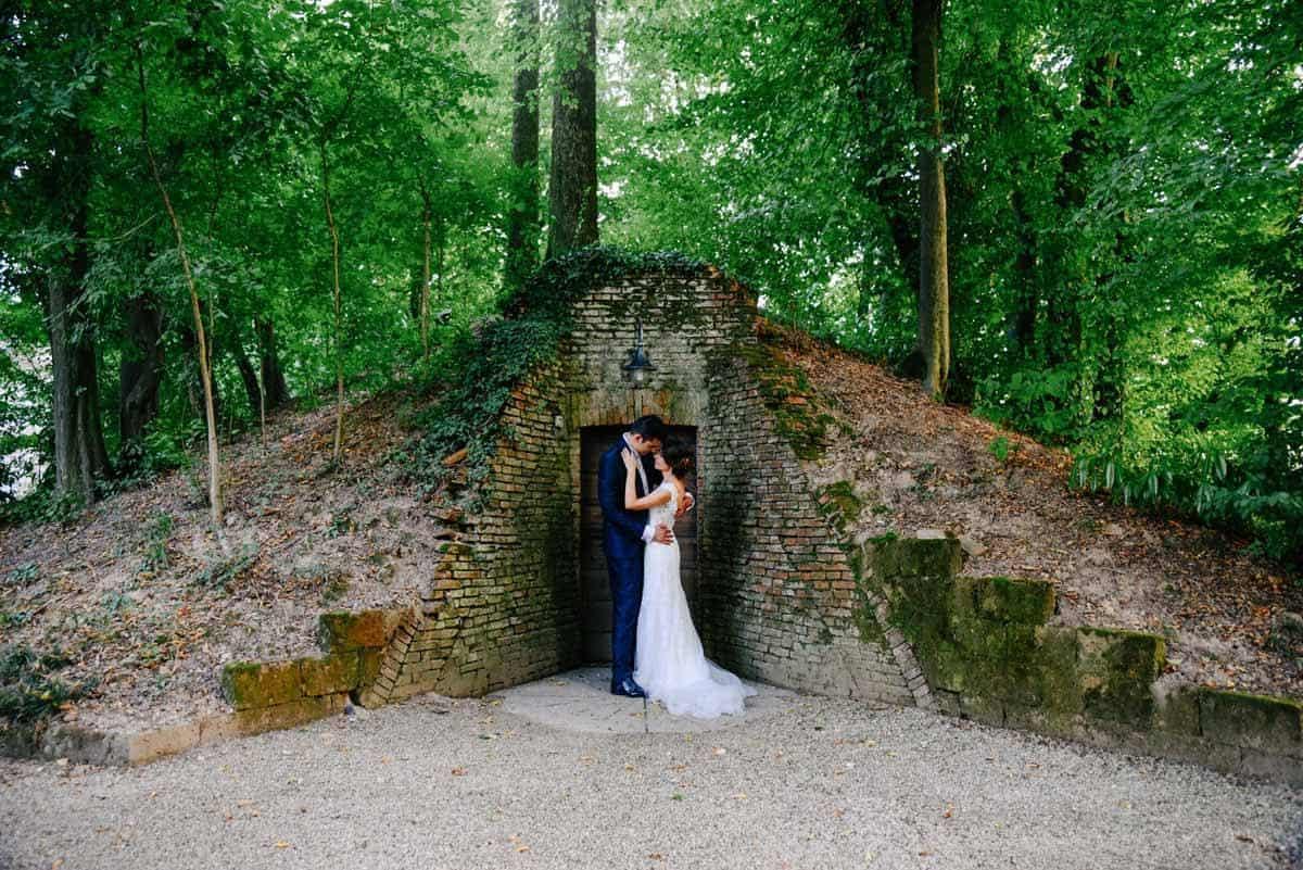 Hidden Behind A Reflex! Studio - wedding photographer in italy