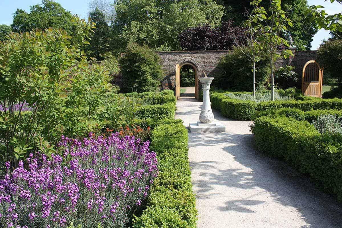 Walled-Gardens-1