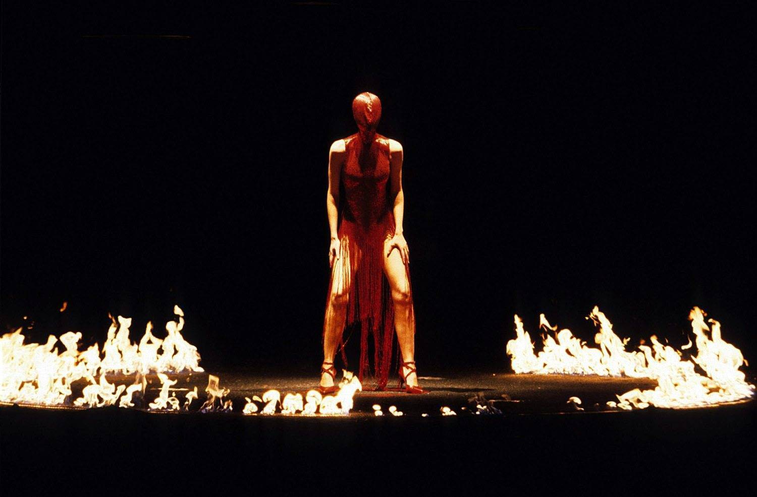 Alexander McQueen - fashion hooligan, savage beauty
