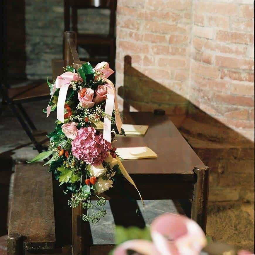 Church flowers details - Luxury Wedding Gallery