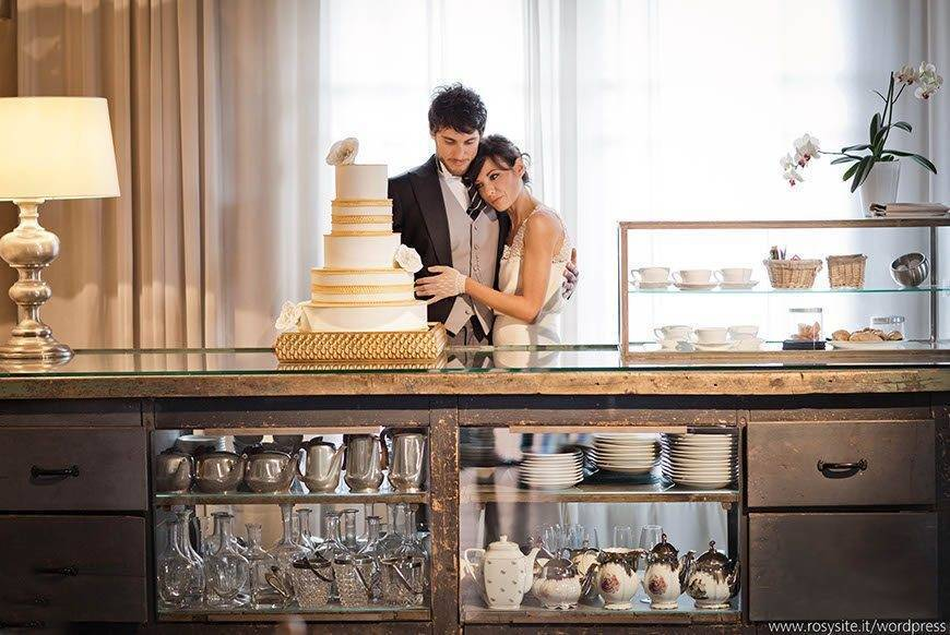 Gold detail tiered cake with couple tuscan wedding cakes  - Luxury Wedding Gallery
