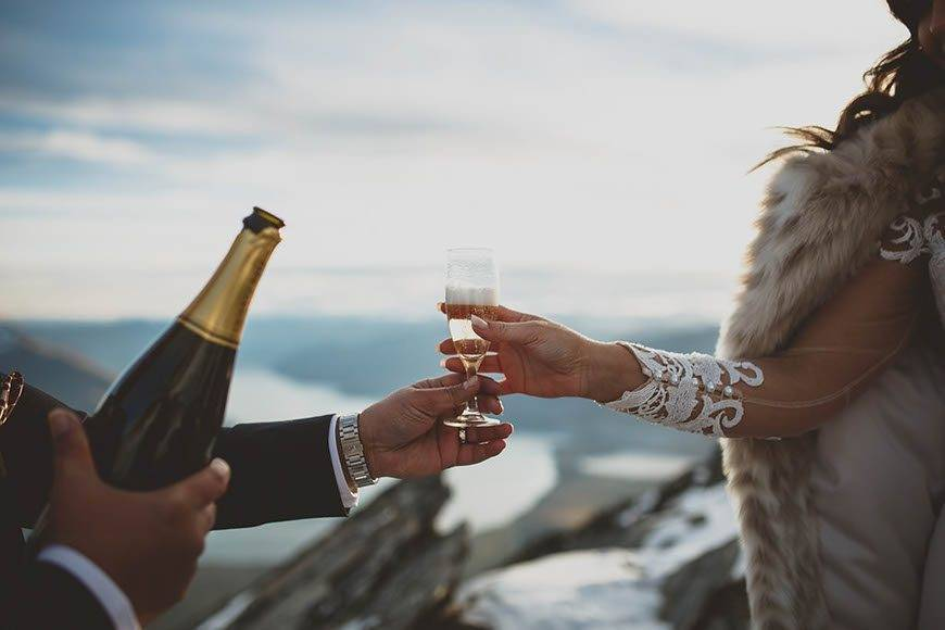 Mountain wedding toasts - Luxury Wedding Gallery