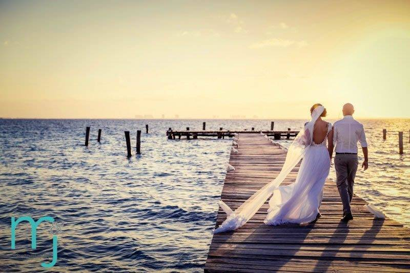 Sunhorse-Weddings-Bride-Sunset-Mexico