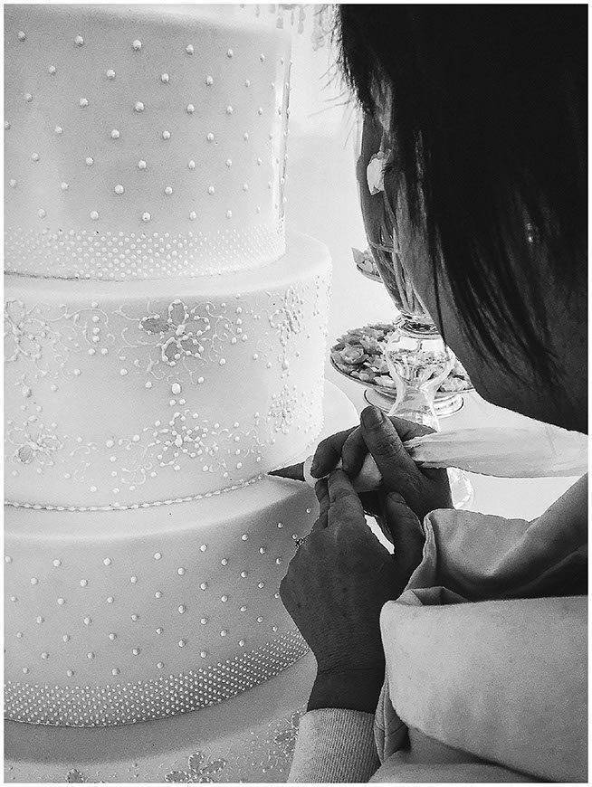 hand piped wedding cake florence italy tuscan wedding cakes  - Luxury Wedding Gallery