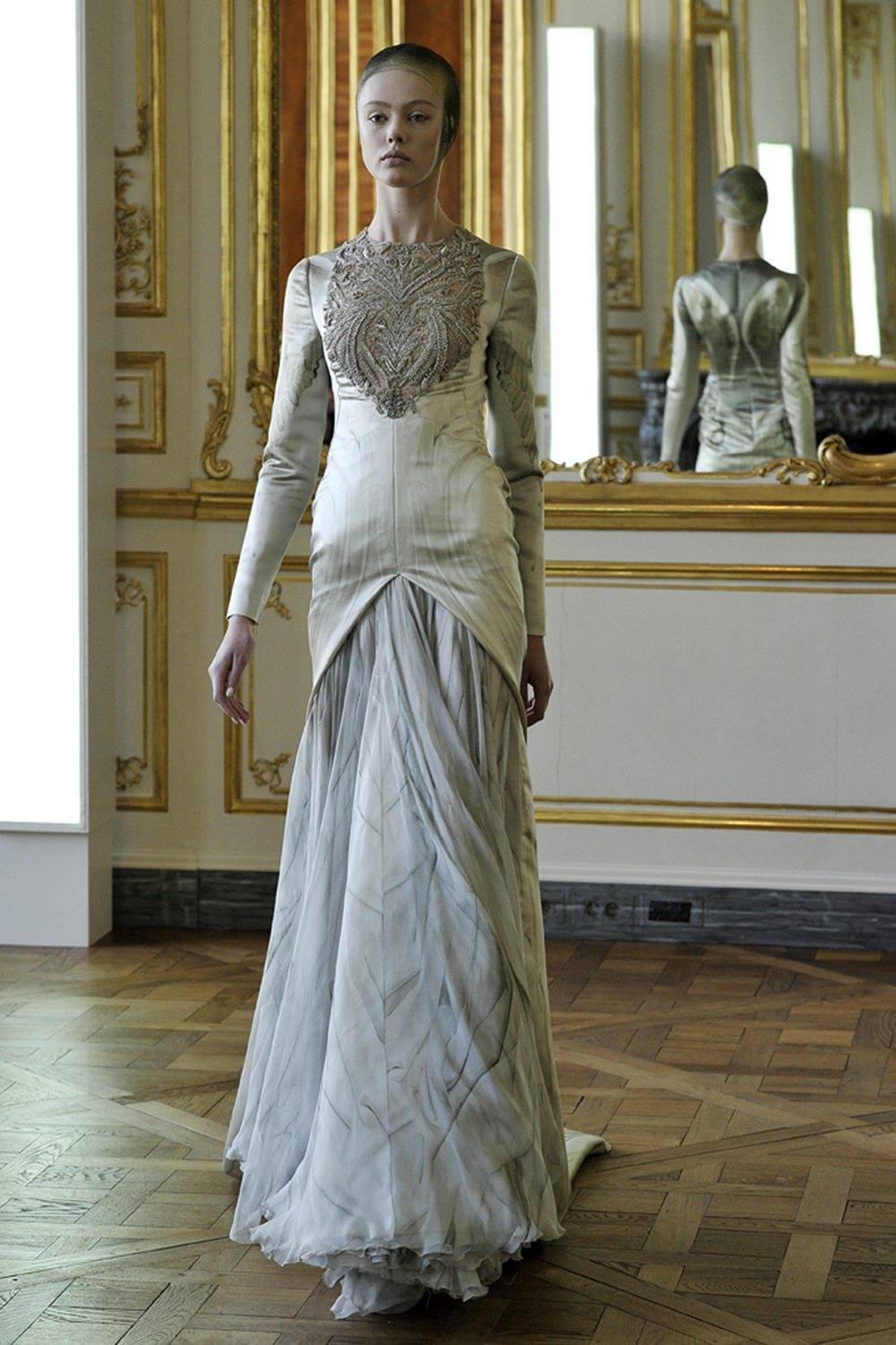 alexander mcqueen wedding dress mcqueen a fashion revolution wedding dresses 1252