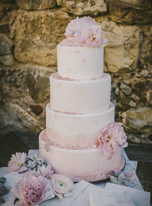 salt of the earth inspired pink sugar wedding cake castello di vicarillo tuscan wedding cakes - Luxury Wedding Gallery